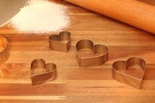 Free Cookie Cutters, Rolling Pin & Sifted Flour On Cutt Stock Photo - 18234840