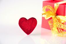 Free Heart And Gift Royalty Free Stock Images - 18235099