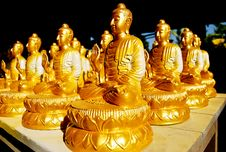 Many Of Golden Buddha Statue Stock Photography