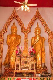 Gold Buddha In Thai Temple Stock Images