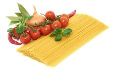 Free Italian Pasta Spagetti With Vegetables Stock Photography - 18238882