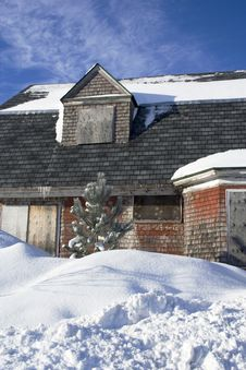 Free Abandoned House In Winter Royalty Free Stock Photos - 18244848