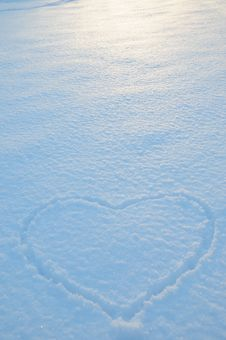 Free Snow Heart Stock Photos - 18246403
