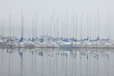 Free Foggy Sailboat Harbor Stock Photography - 18246872