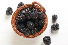 Free Blackberries In Basket Stock Images - 18257404