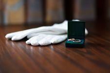 Free Gold Wedding Rings Stock Image - 18257741