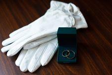 Free Gold Wedding Rings Royalty Free Stock Image - 18257836