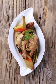 Free Oven-baked Chicken And Vegetables Stock Images - 18258034