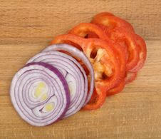 Free Sliced Onion And Pepper Royalty Free Stock Images - 18259019