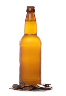 Free Beer Bottle With Sterling Money Royalty Free Stock Images - 18260829