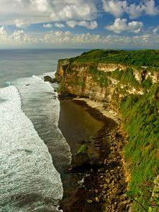 Free Bali Green Cliffs Royalty Free Stock Images - 18261379