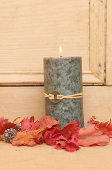 Free Single Feng Shui Candle Stock Photography - 18267532
