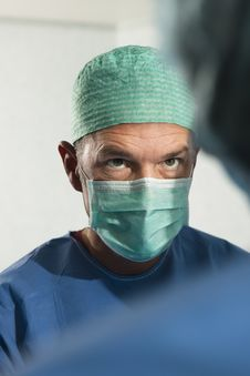 Free Portrait Of A Male Surgeon At Work Royalty Free Stock Images - 18268359