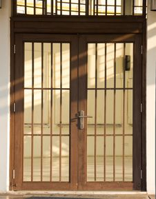 Free Wood Door Royalty Free Stock Images - 18273029