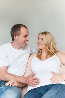 Free Happy Pregnant Couple Stock Image - 18273831