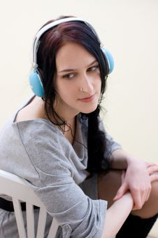 Free Caucasian Dark Haired Woman With Earphones Stock Photos - 18276123