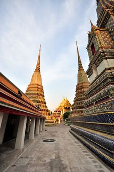 Free Chedi Wat-pho Temple Thailand Stock Photos - 18279773