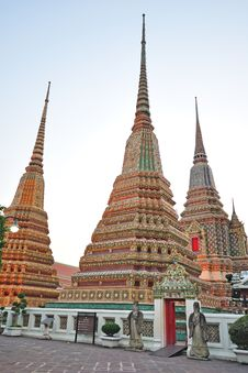 Free Temple In Bangkok Thailand Royalty Free Stock Photography - 18279837