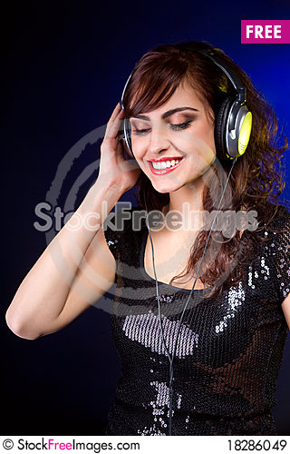 Free Woman With Headphones Royalty Free Stock Images - 18286049