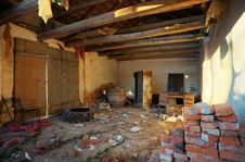 Free Ruined House Interior Royalty Free Stock Images - 18280369
