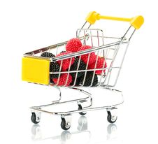 Free Raspberry Blackberry Fruit In The Shopping Cart Stock Photography - 18280902
