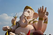 Free The God Of Wisdom And Difficulty Ganesha Statue Stock Photos - 18281173