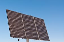 Free Renewable Energy - Photovoltaic Solar Panel Array Royalty Free Stock Images - 18283159