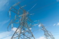 Free Electrical Towers (Electricity Pylons) Royalty Free Stock Photo - 18283265