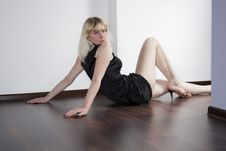 Free Lonely Sexy Women On A Floor Royalty Free Stock Photos - 18285128