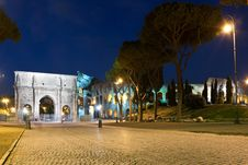 Arch Of Constantine And Colosseum Royalty Free Stock Image