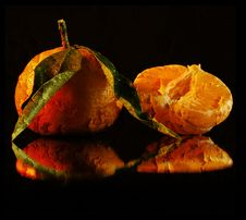 Free Texture Wrinkled Orange On Black Background Royalty Free Stock Photos - 18291298