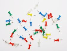 Free Colored Push Pins Royalty Free Stock Photography - 18298097