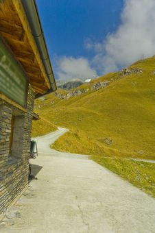 Free Grossglockner Shelter And Mountain Stock Photography - 1831412