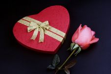 Free Pink Rose With Gift Box Stock Photos - 1833893