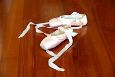 Ballet Pointe Shoes Of Pink Satin Stock Image