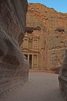 Free Magical Sunrise At The Treasury. Petra, Jordan Stock Images - 18301984