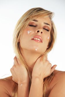 Free Girl With Moisturizing Creme Royalty Free Stock Photos - 18304398