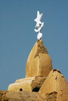 Free Spire On Mud Mosque In West Africa Stock Photography - 18305982