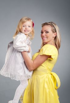 Free Happy Mum With The Daughter Portrait Royalty Free Stock Photo - 18308515