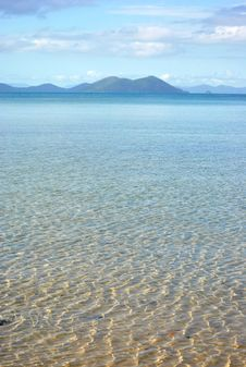 Free Crystal Clear Water In Shallow Sea Royalty Free Stock Photography - 18310707