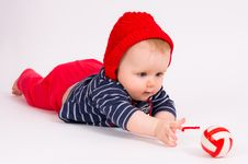 Free Little Child Baby Crawling For The  Ball Royalty Free Stock Photo - 18313615