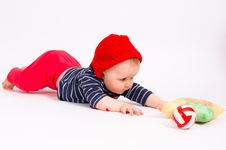 Free Little Child Baby Crawling For The  Ball Stock Image - 18313631