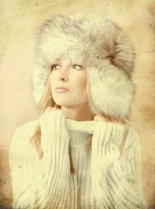Free Portrait Of Attractive Woman In Winter Style Royalty Free Stock Photos - 18315208