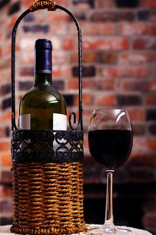 Free A Bottle Of Wine And A Glass Stock Photos - 18315223