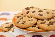 Free Cookies In A Plate Stock Images - 18315614