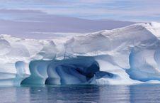 Free Blue Iceberg Stock Image - 18316051
