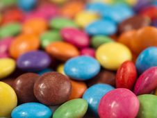 Free Coloured Chocolate Drops Royalty Free Stock Image - 18316326