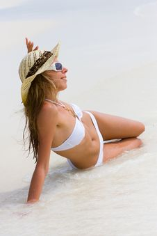 Free Lady In Bikini On A Tropical Beach Royalty Free Stock Image - 18318966