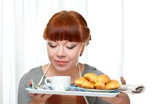 Free Housewife Holding Tray With Breakfast Royalty Free Stock Images - 18322779