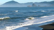 Free Surf Of Pacific West Coast Royalty Free Stock Images - 18323729